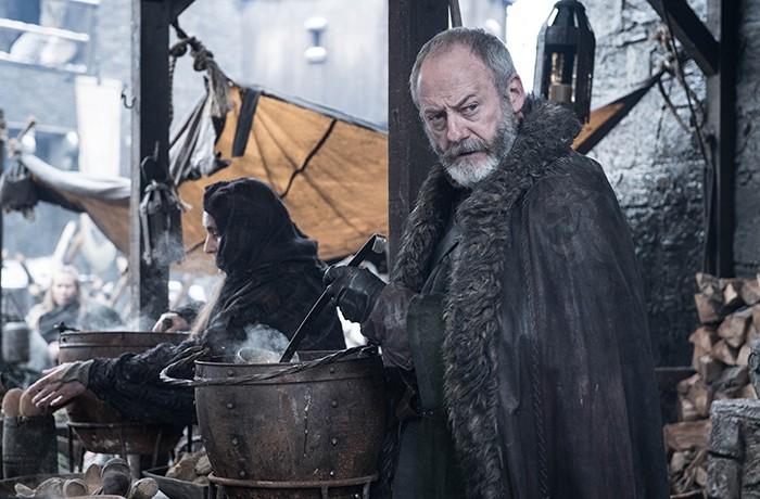 Davos também ganhou uma foto individual em cena de novo episódio (Foto: Divulgação)