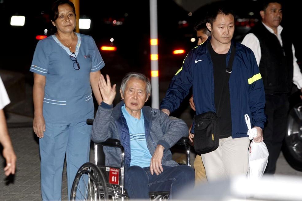 -  Ex-presidente peruano Alberto Fujimori deixou a clínica onde estava internado, em Lima, após indulto  Foto: Eddy Ramos /Agencia Andina