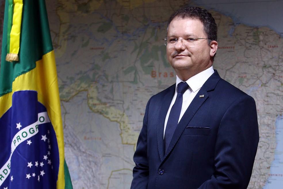 Carlos Nadalim  — Foto: Reprodução/MEC