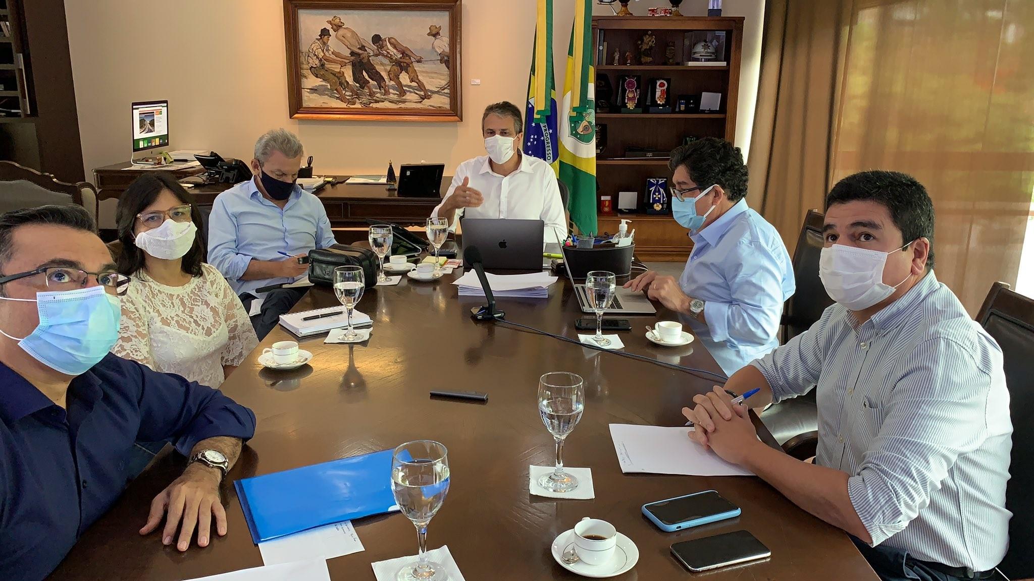 Ceará vai retomar leitos exclusivos para pacientes com Covid e proibir uso de áreas de lazer em condomínios de praia