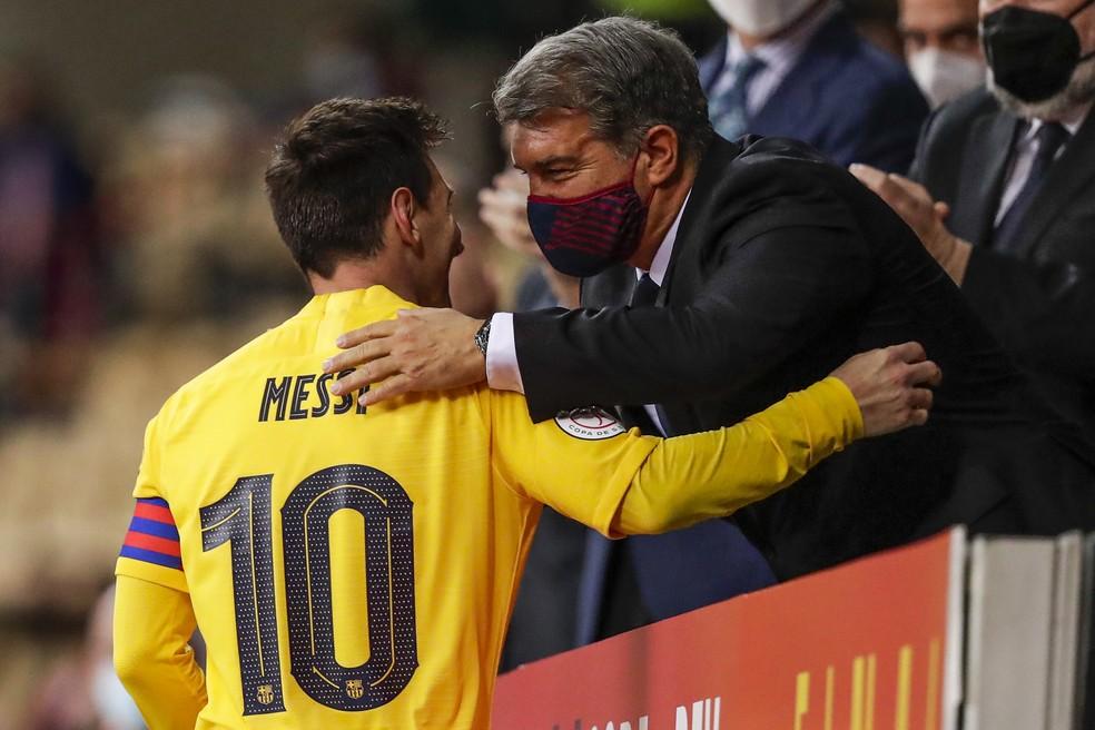 Laporta diz que tentou contratar Neymar e chegou a pensar em ter Messi de graça no Barcelona
