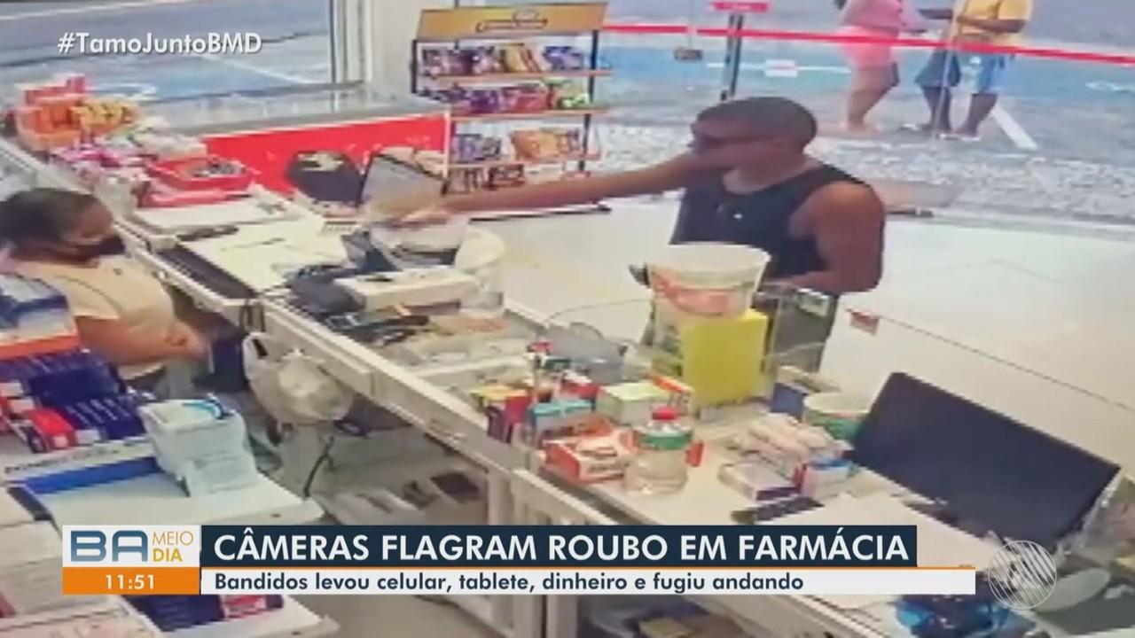 Flagrante: homem armado assalta farmácia no bairro da Boa Viagem, em Salvador