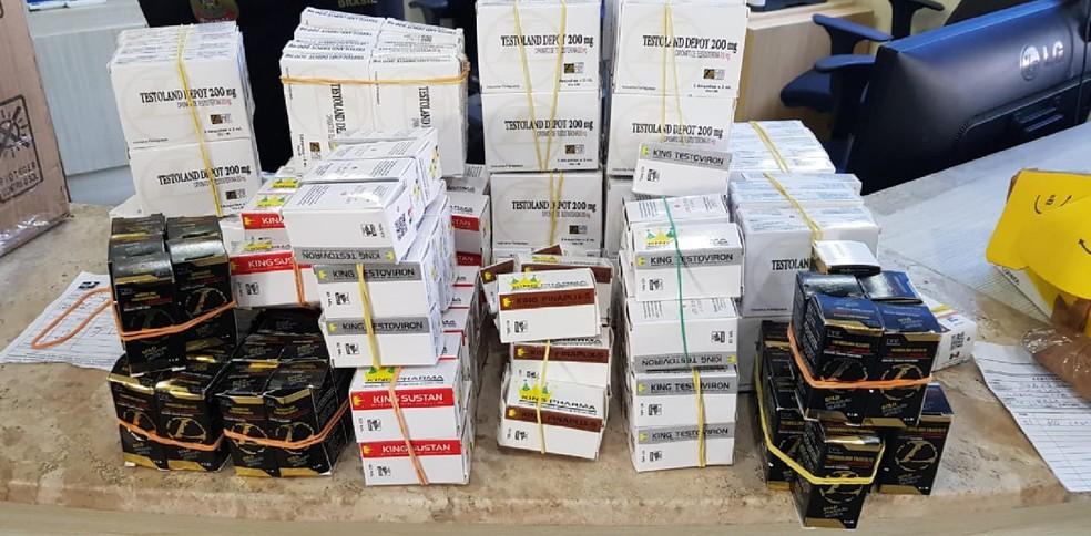 Caixas de anabolizantes apreendidas pela Polícia Federal em operação conjunta com a Receita Federal e Correios — Foto: Polícia Federal/Divulgação