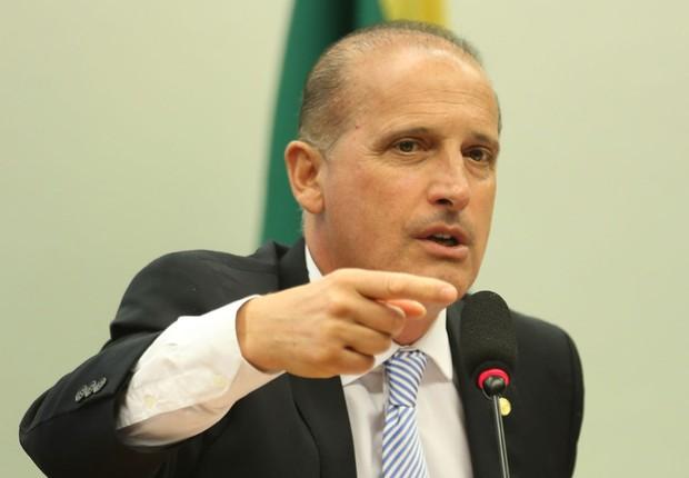 O relator do pacote anticorrupção Onyx Lorenzoni (DEM-RS) durante sessão de votação (Foto: Fabio Rodrigues Pozzebom/Agência Brasil)