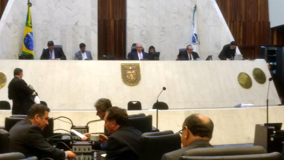 Deputados vão analisar novamente o projeto (Foto: Alep/Divulgação)