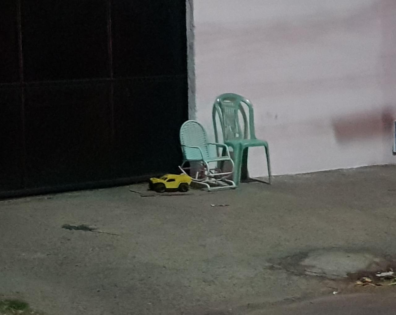 Mulher é assassinada a tiros na frente de criança em Fortaleza