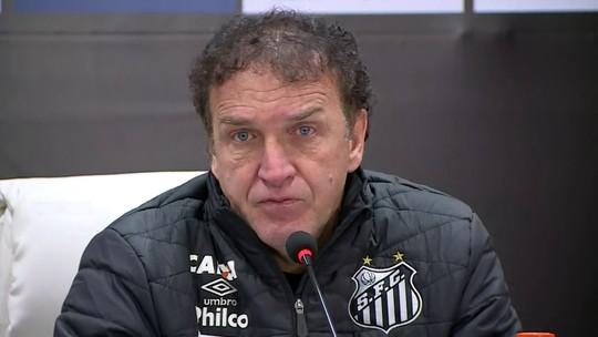 Cuca lamenta má atuação de atacantes em partida sem finalizações do Santos