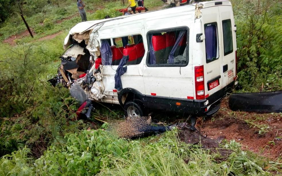 Acidente aconteceu na BR-135 — Foto: Portal Bahia 10