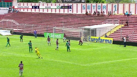 Goiás encaixa bom contra-ataque, mas peca na finalização, aos 32 do 2º tempo