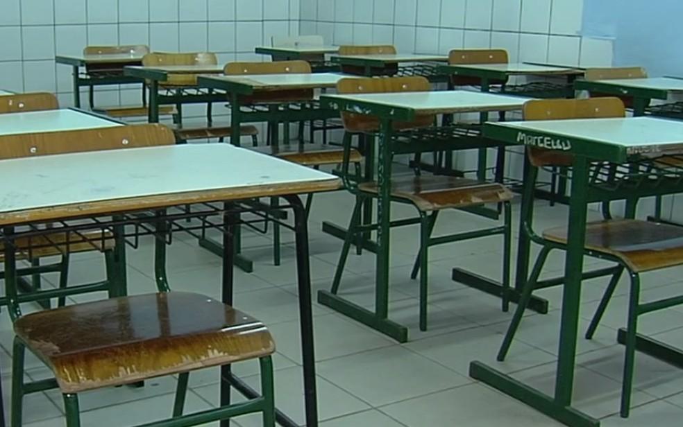Professores do Estado entraram em greve e querem implantação imediata do reajuste salarial — Foto: Reprodução/TV Anhanguera