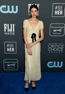 Margaret Qualley, de Miu Miu