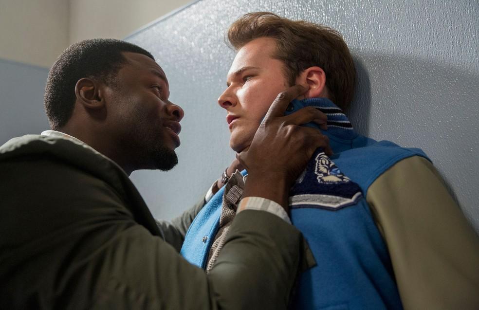 Bryce é assassinado na terceira temporada da série — Foto: Divulgação/Netflix