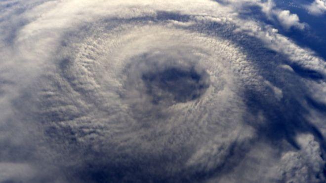 Comitê internacional se reúne em agência da ONU para definir nomes de furacões em todo o mundo (Foto: GETTY IMAGES/BBC)