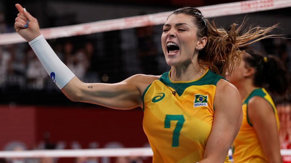A jogadora de vôlei Rosamaria comemora vitória do Brasil contra o Comitê Olímpico Russo nas quartas de final dos Jogos de Tóquio - Valentyn Ogirenko