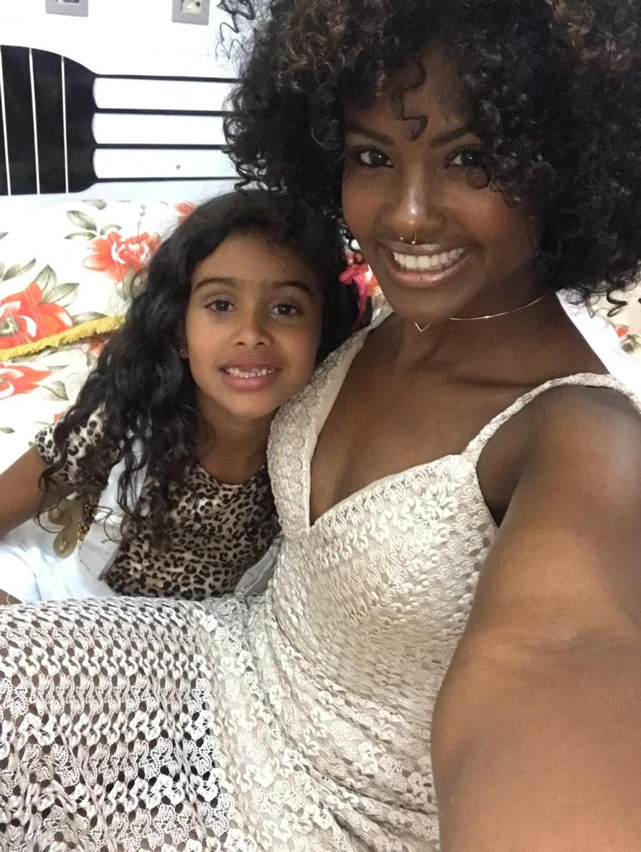 Jenny e sua filha, Lays Araújo — Foto: Arquivo Pessoal