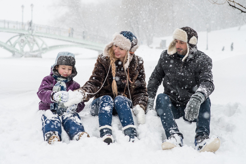 Não leve o guardarroupa junto com você. Escolha as roupas mais adequadas para o clima que vai enfrentar. (Foto: Victoria Borodinova/Pexels)