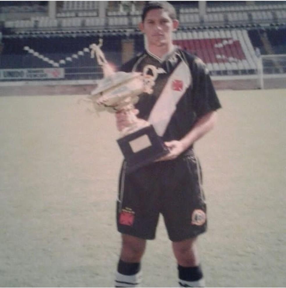 Geovani se profissionalizou no Vasco, em 2001 — Foto: Arquivo pessoal/Geovani Monteiro