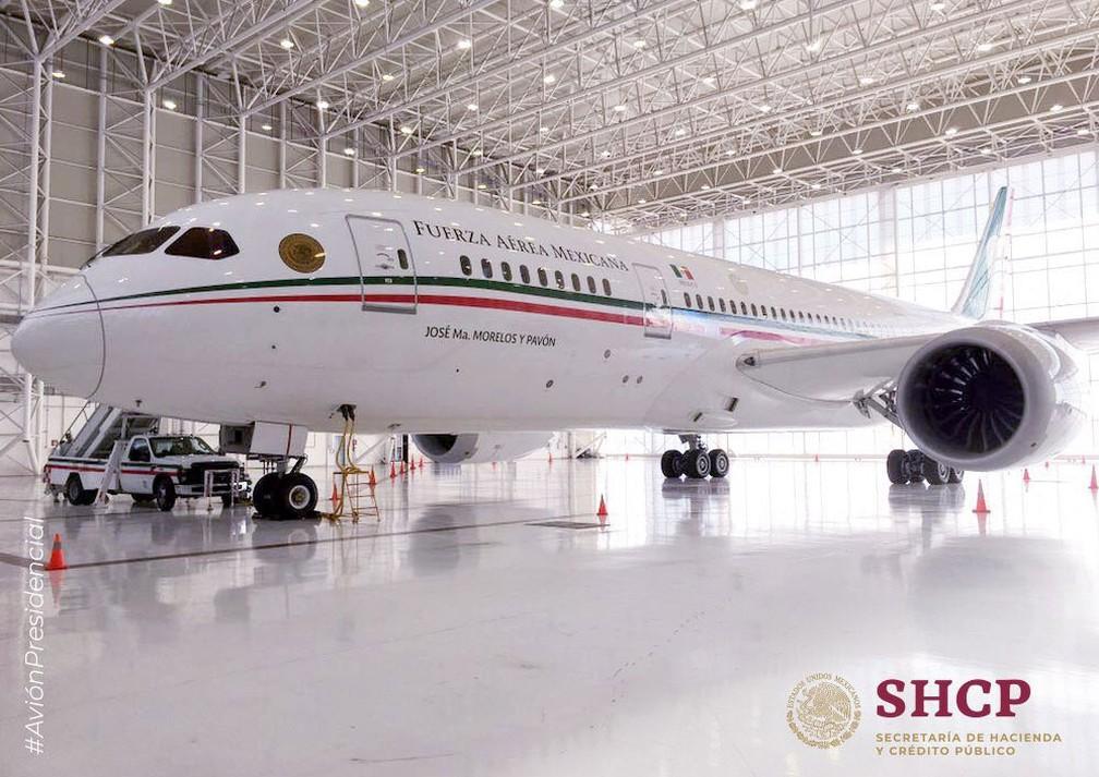 O Boeing 787-8 foi comprado pelo governo mexicano em 2012 (Crédito: Reprodução/ Twitter/ SHCP México)