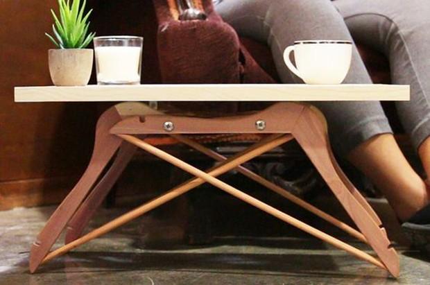 Especial feitos de cabide: Mesa de café (Foto: Pinterest/Reprodução)