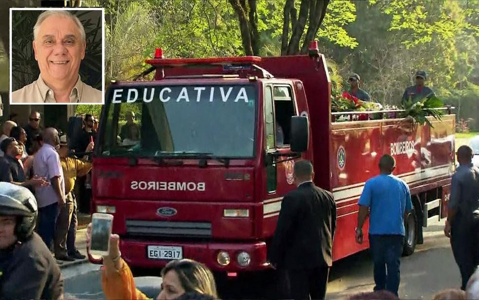 Corpo de Marcelo Rezende foi levado de caminhão dos Bombeiros ao Cemitério de Congonhas (Foto: GloboNews/Reprodução)
