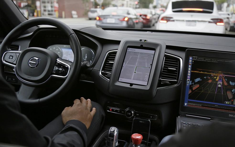 -  Interior do carro autônomo da Uber em São Francisco, nos EUA  Foto: Eric Risberg/AP