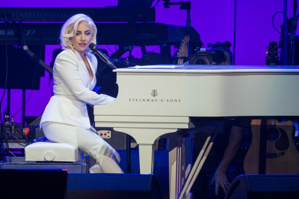 -  Lady Gaga durante apresentação  Foto: Jim Chapin/AFP