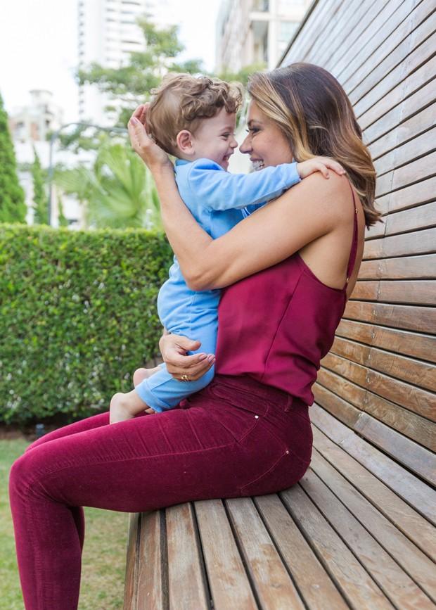 Solange e o neto Thiago (Foto: Eduardo Saraiva/Quem Acontece)
