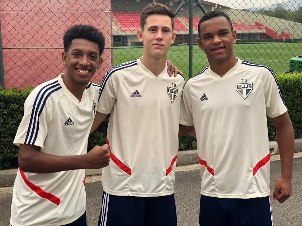 Talles, Patryck e Juan, da esquerda para a direita — Foto: Divulgação São Paulo