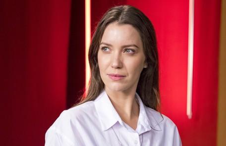 Nathalia Dill como Fabiana. Uma das filhas de Zenaide, será separada da família e crescerá num convento TV Globo