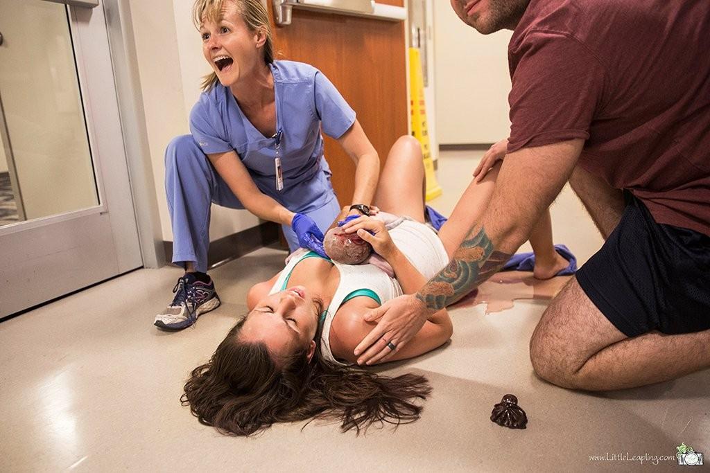 Parto no corredor do hospital (Foto: Tammy Karen)