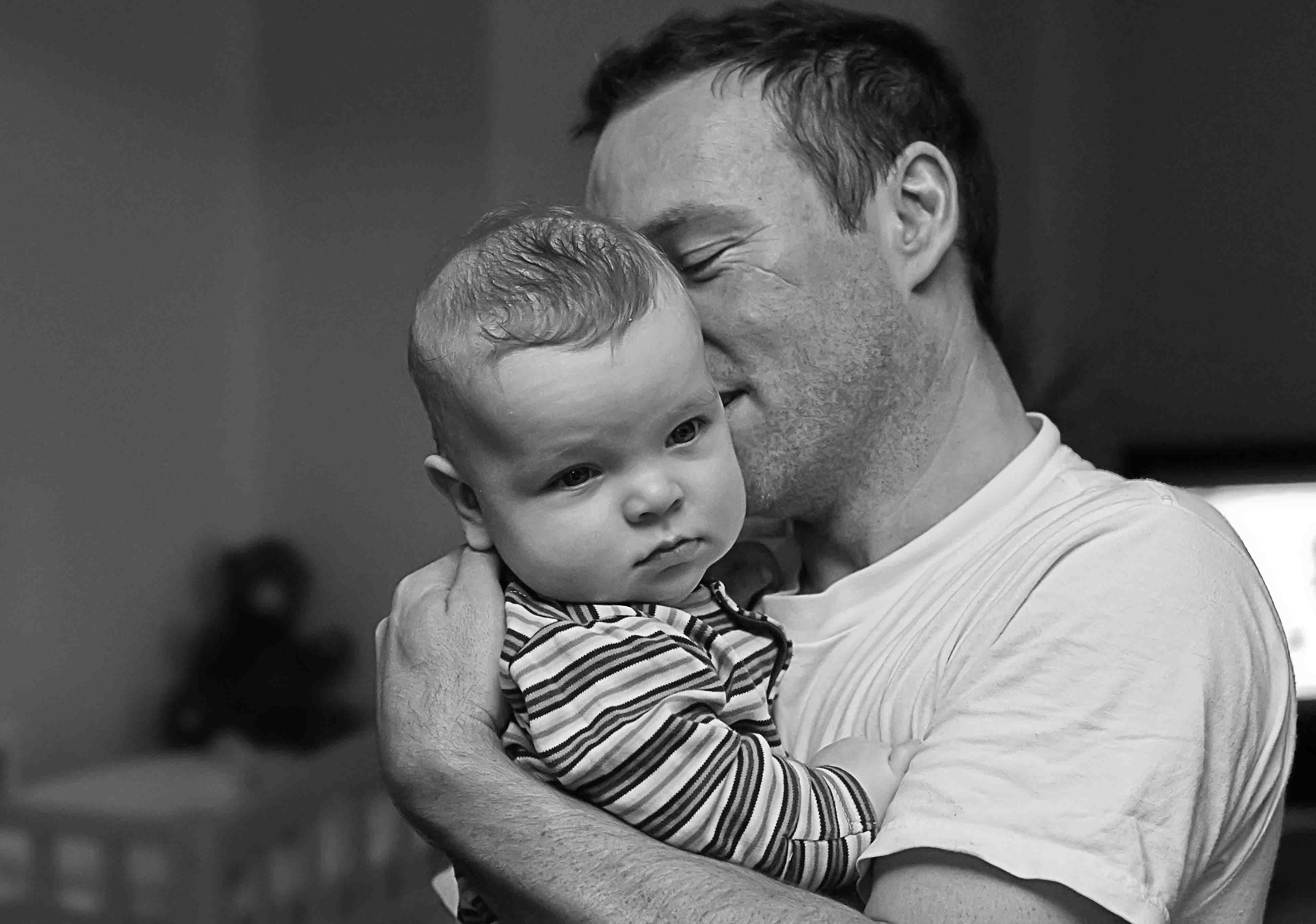 Pais solteiros têm expectativa de vida menor do que mães na mesma situação (Foto: Wikimedia Commons)