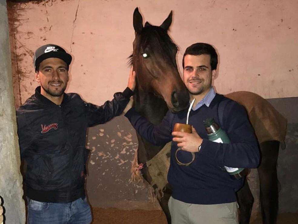 Arrascaeta tem quatro cavalos: três de corrida e um novo Giorgian — Foto: Arquivo Pessoal