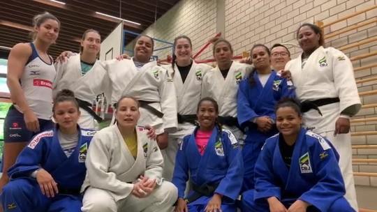 Torcida organizada! Judocas mandam mensagem de apoio para seleção na Copa do Mundo