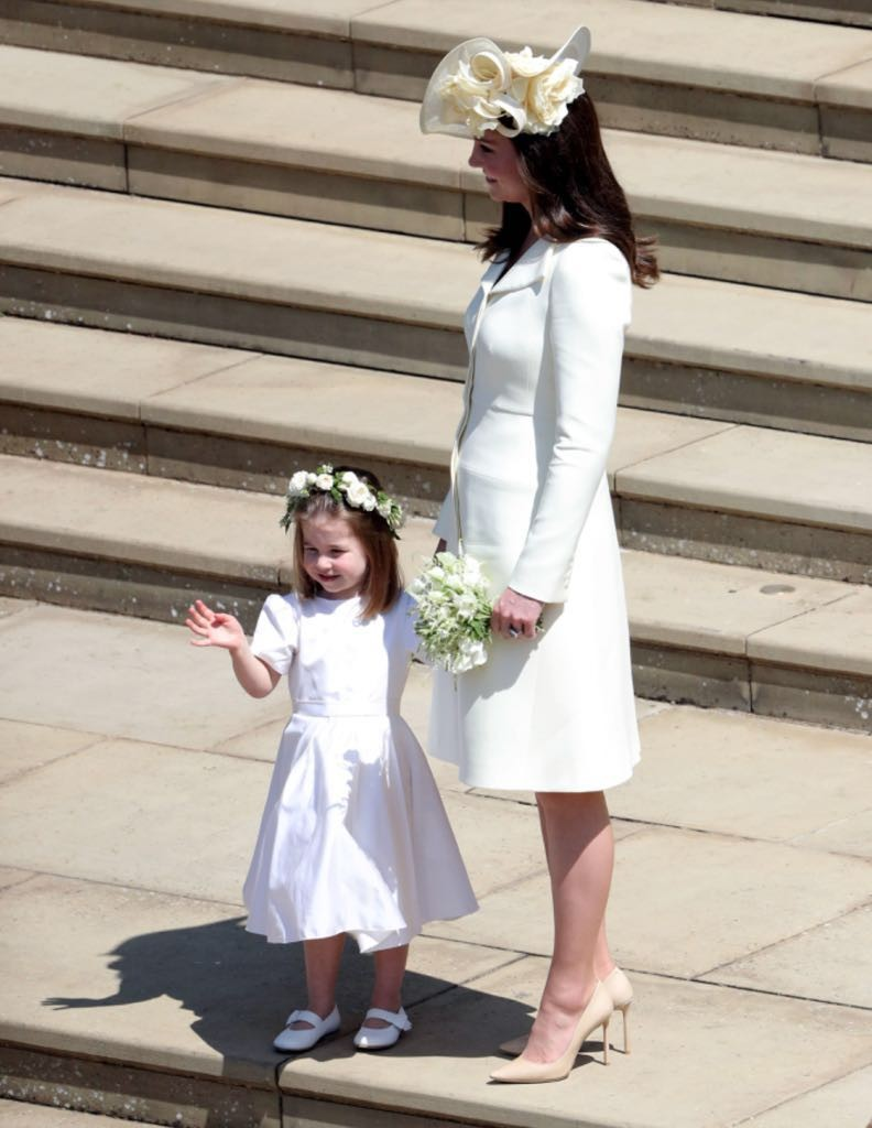 Charlotte com a mãe, Kate Middleton (Foto: Getty Images)