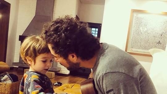 Felipe Andreoli fala da personalidade do filho Rocco: 'Doce, mas, às vezes, tem que ser firme'