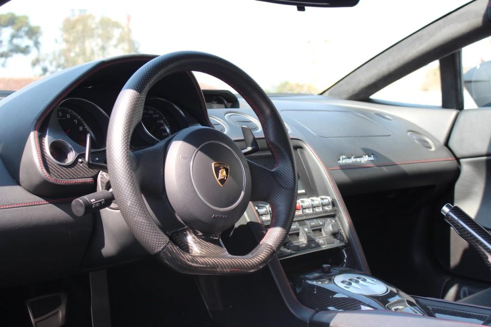 Veículo esportivo de luxo foi apreendido no âmbito da Operação Daemon — Foto: Divulgação/PF