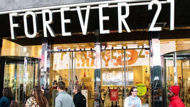 Forever 21 nasceu na Califórnia em 1984 com o nome 'Fashion 21' (Foto: Getty Images via BBC News Brasil)