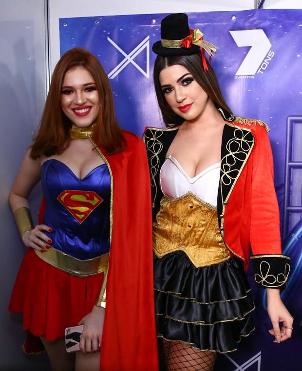 Ana Clara e Vivian Amorim (Foto: Roberto Filho/Brazil News)