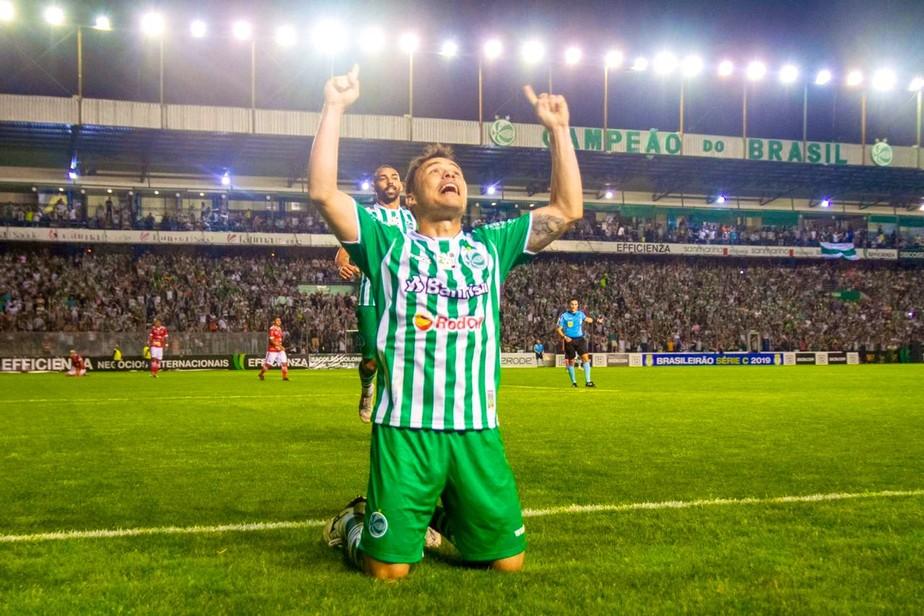 Defensores do Náutico admitem atenção especial com Renato Cajá