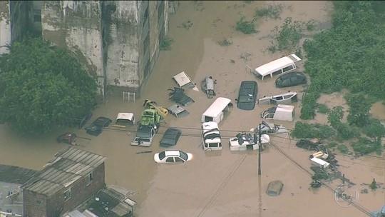 Chuva causa mortes, deslizamento de barreiras e alagamentos no Grande Recife