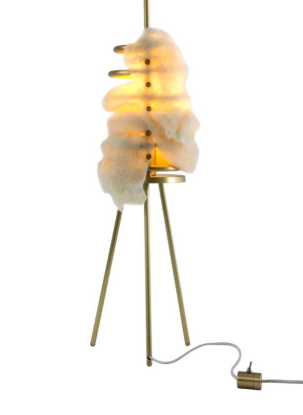 Luminária Anamórfica, por Ricardo Benucci e Lucas Lima (Foto: Divulgação)