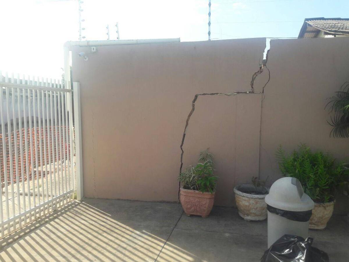Obras de drenagem da prefeitura de Boa Vista causam rachaduras em casas no Buritis, reclama morador