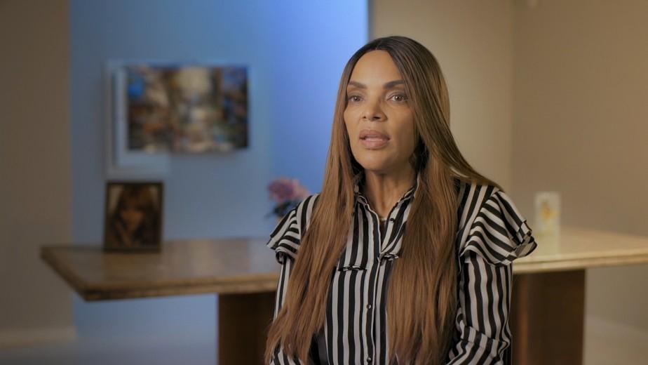 Acusada de mandar matar marido, deputada Flordelis diz que se tornou 'pária' na Câmara