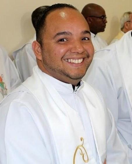 Após quase um mês internado, padre de Poá morre de Covid-19 aos 40 anos