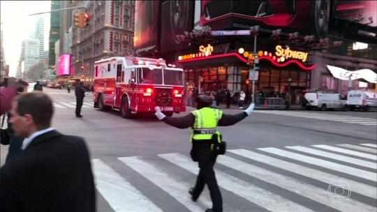 Tentativa de ataque no metrô de NY fere 4; suspeito é preso