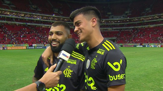 Responsáveis por dois gols do Flamengo, Gabigol e Reinier comemoram primeiro gol do meia
