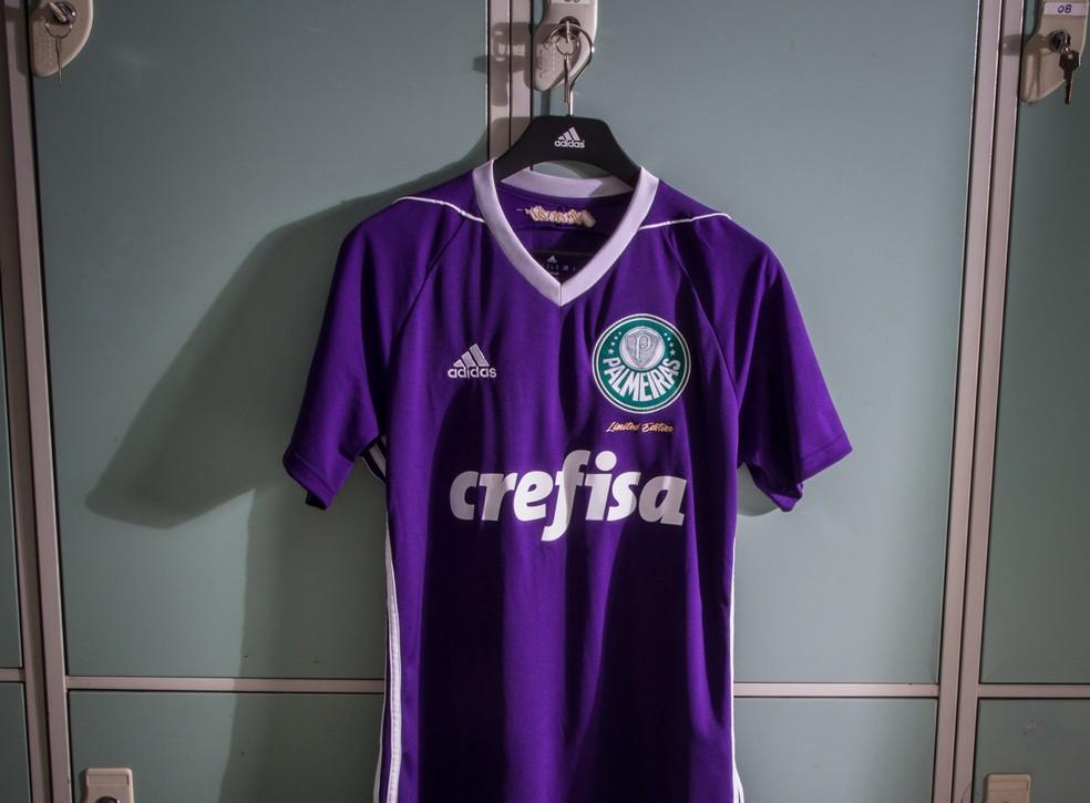baca28d9697c4 ... Nova camisa dos goleiros do Palmeiras é roxa — Foto  Divulgação