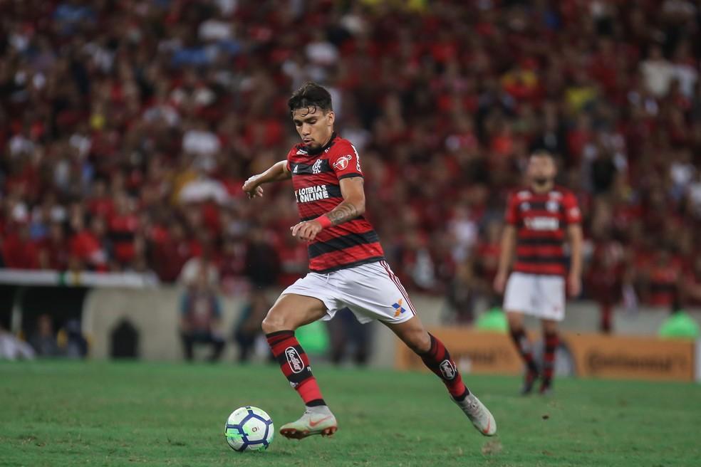 Paquetá em ação diante do Corinthians. Na véspera, jogou 38 minutos pela Seleção — Foto: Gilvan de Souza