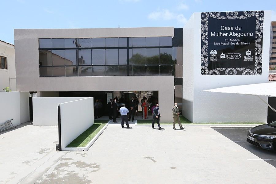 Casa da Mulher Alagoana dá apoio a vítimas de violência doméstica; saiba como pedir ajuda