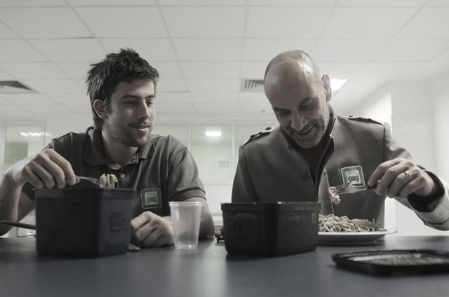 Pedro Nercessian e Marco Ricca no filme 'Canastra suja' (Foto: Marcinho Nunes)